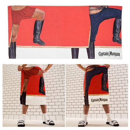 CAPTAIN MORGAN Captain Pose Beach Towel